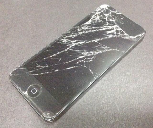 iphoneディスプレイ割れ