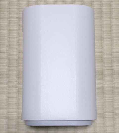 WiMAX HOME 01実物の側面デザイン