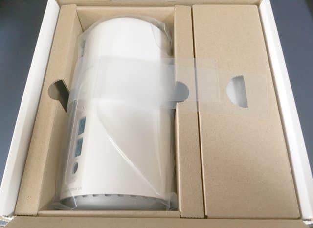 Speed Wi-Fi HOME L02のパッケージ開封時の画像