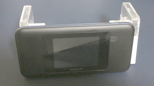 WX05のクレードルにW06をセット